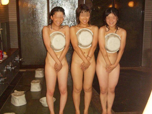 悪ふざけ過剰で裸になっちゃう素人さん (8)