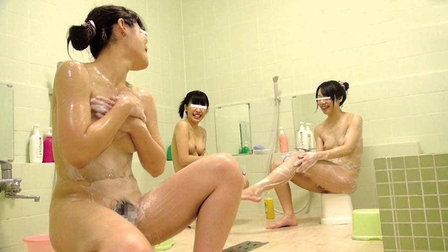 集団で入浴したりSEXしちゃうJK (18)