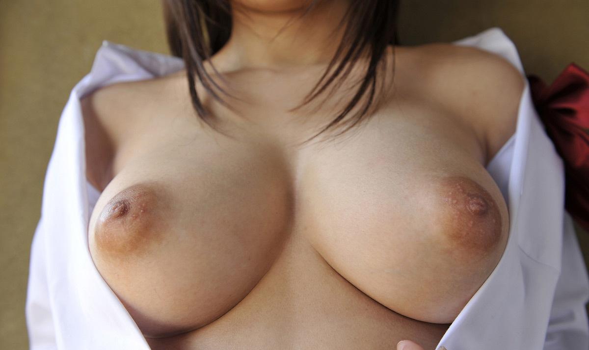 全裸に白シャツだけ着る女の子 (11)