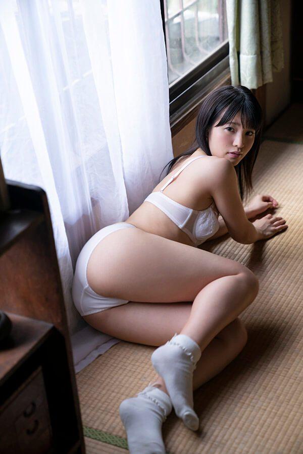 清楚な女子大生が濃厚なSEX、八尋麻衣 (3)
