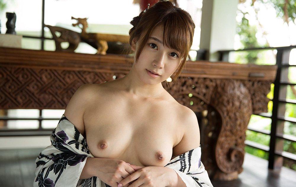 綺麗な美乳が素晴らしい (14)