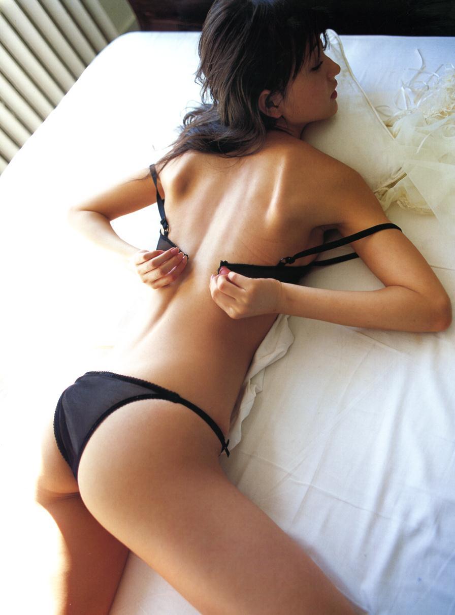お尻まで綺麗でセクシーな芸能人たち (6)