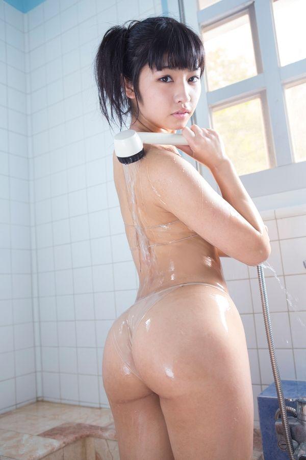 お尻まで綺麗でセクシーな芸能人たち (12)
