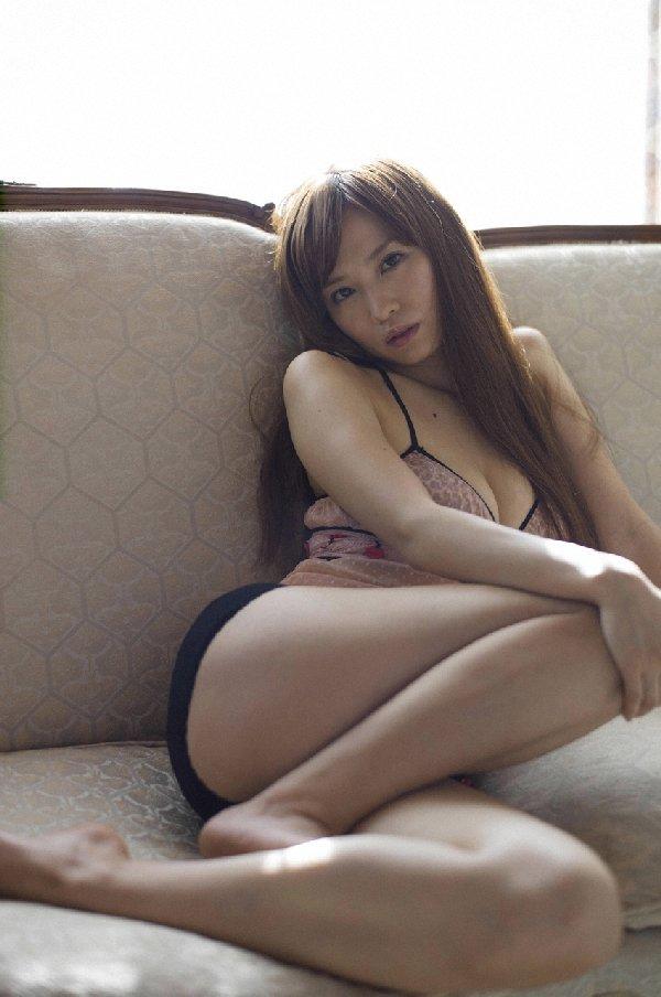 アイドルやグラドルの生太腿がセクシー (12)