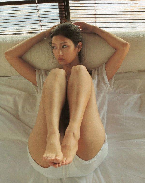 アイドルやグラドルの生太腿がセクシー (16)