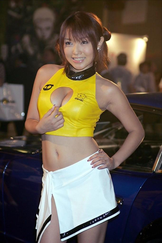 レースクイーンやキャンギャルの露出度高めな衣装 (3)