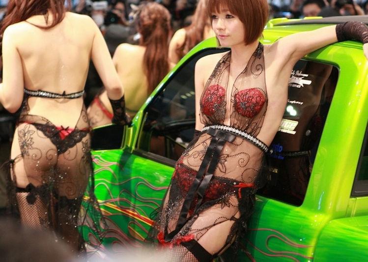 レースクイーンやキャンギャルの露出度高めな衣装 (12)