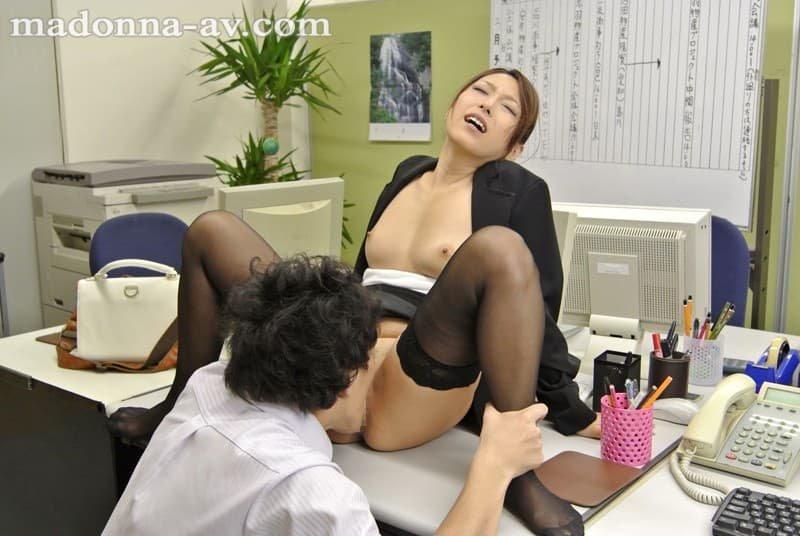 性欲が強い人妻が激しくSEX、白木優子 (11)