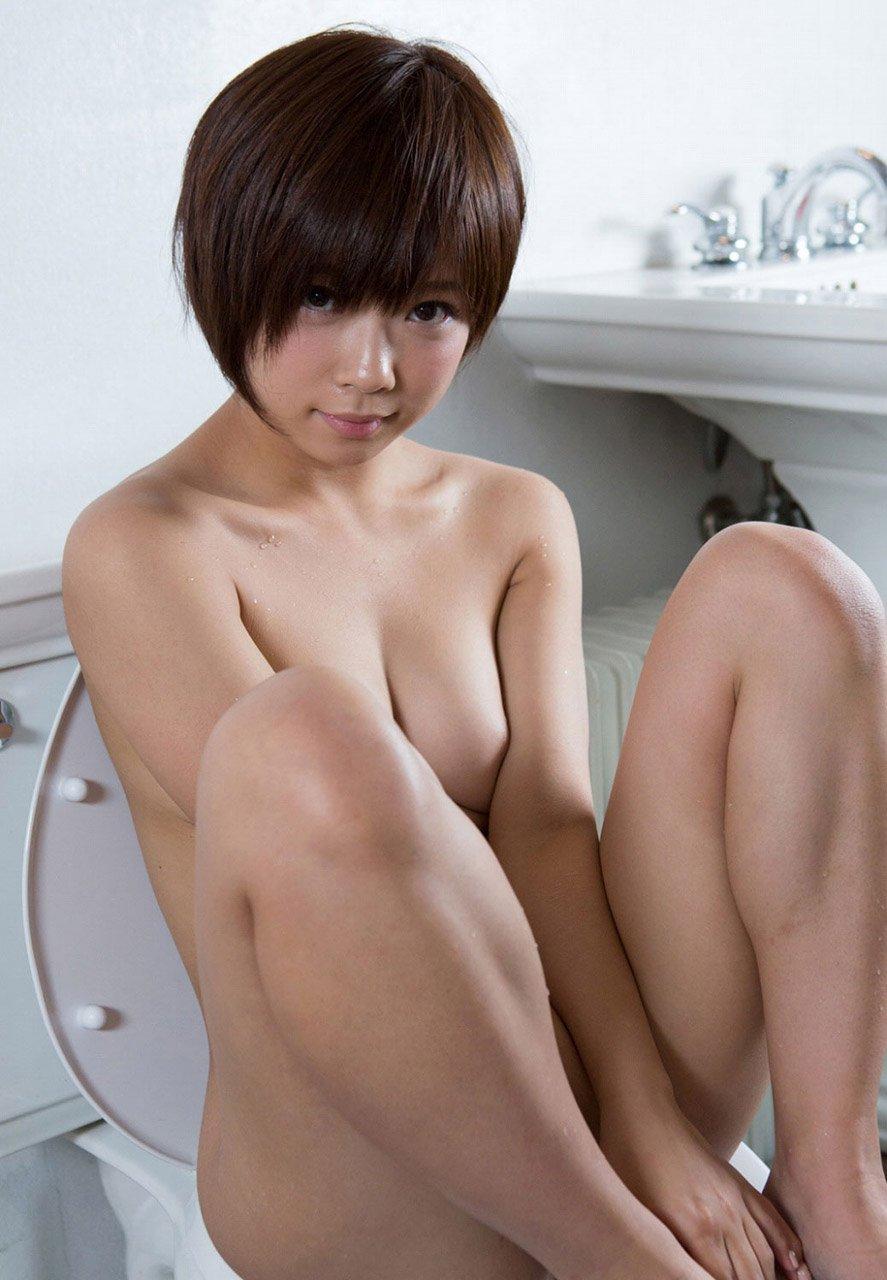 ショートヘアが似合うセクシー美女 (18)