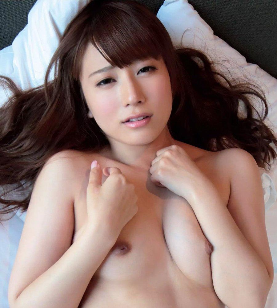 可愛くてエッチな淫乱美女、初川みなみ (1)