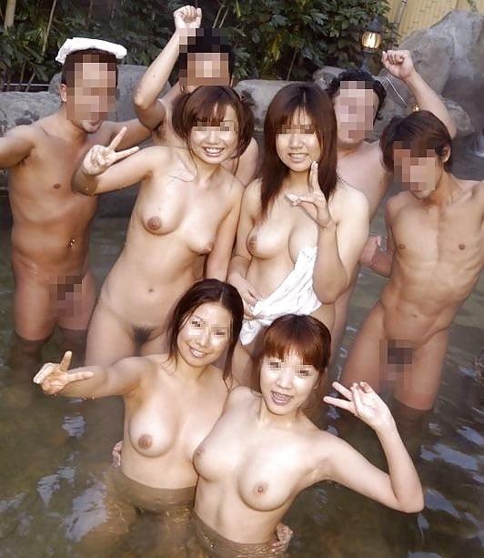 ヌード女性の集合写真 (14)