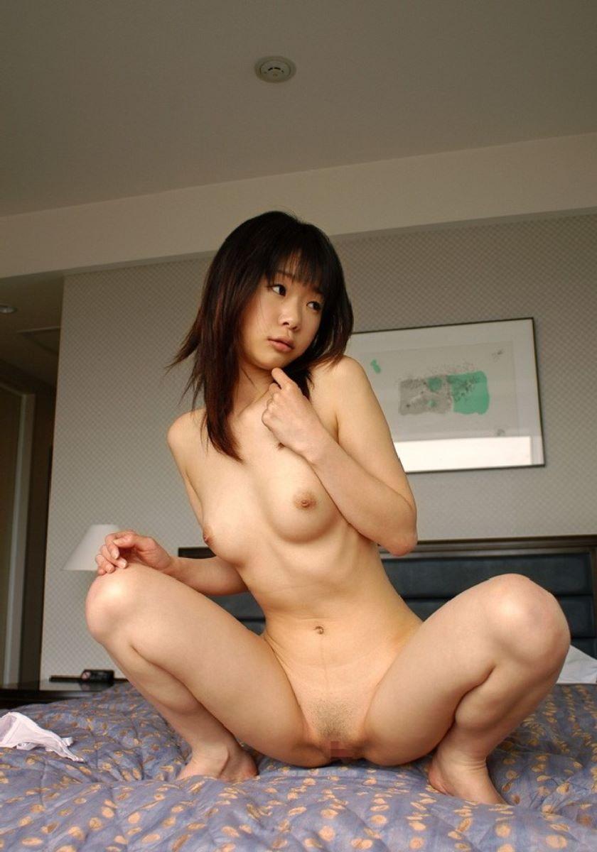 マン毛が薄く生えている女の子 (15)