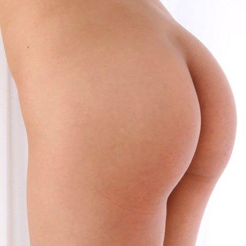 女性の尻を横から眺める美しさ (1)