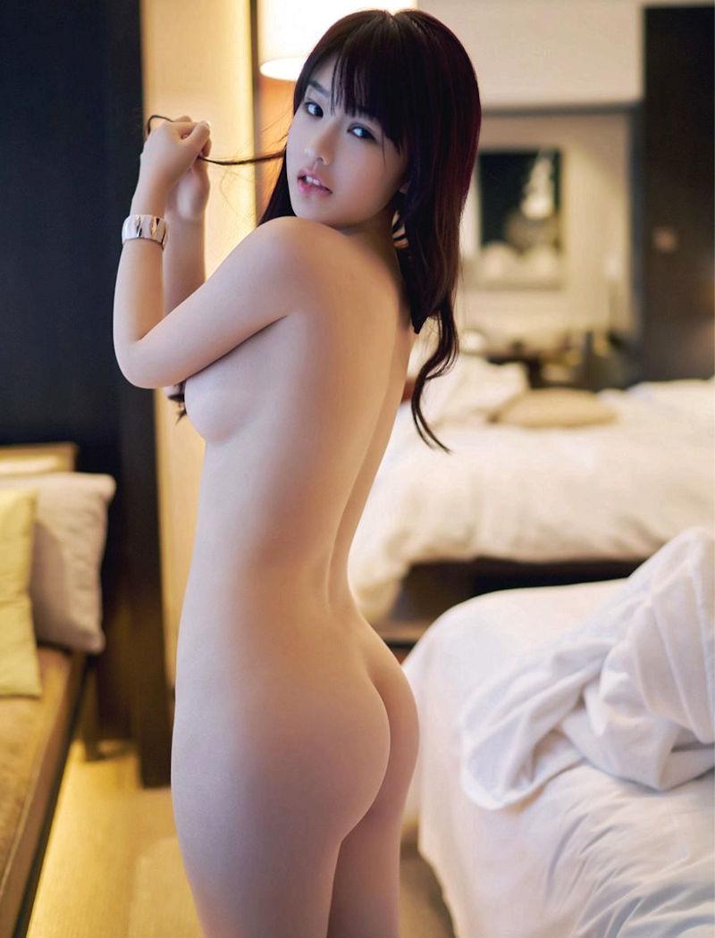 女性の尻を横から眺める美しさ (8)