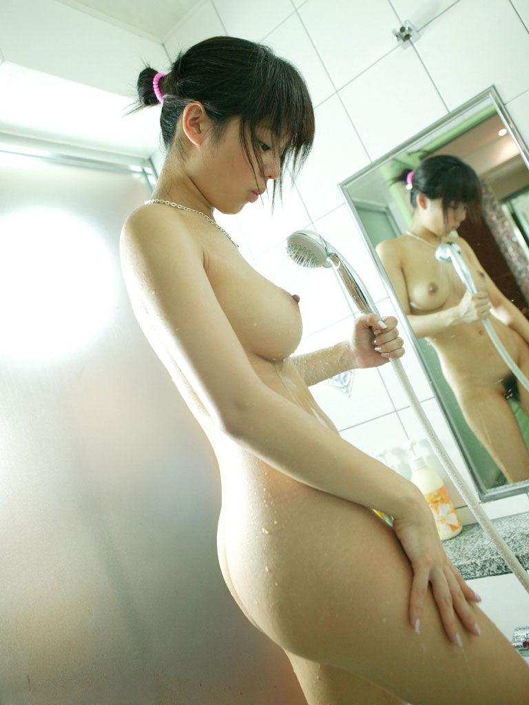 女性の尻を横から眺める美しさ (10)