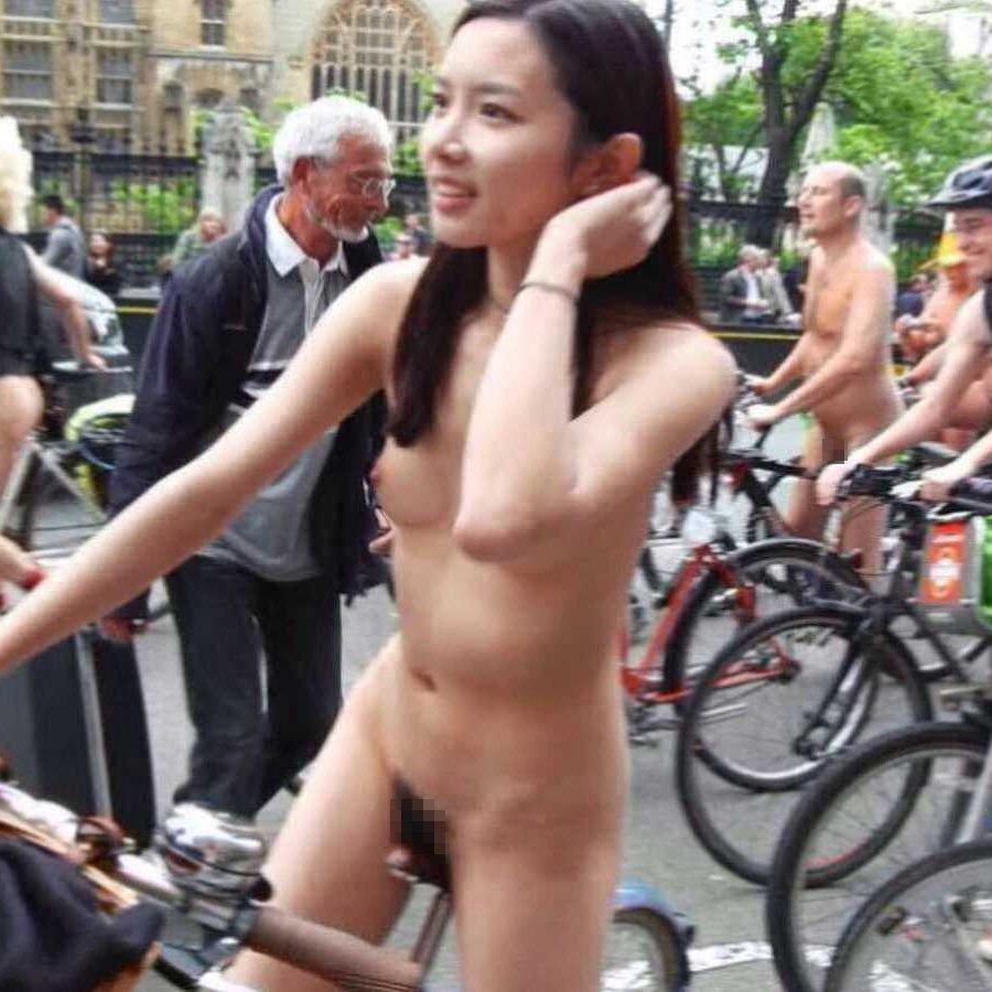 ヌードサイクリング