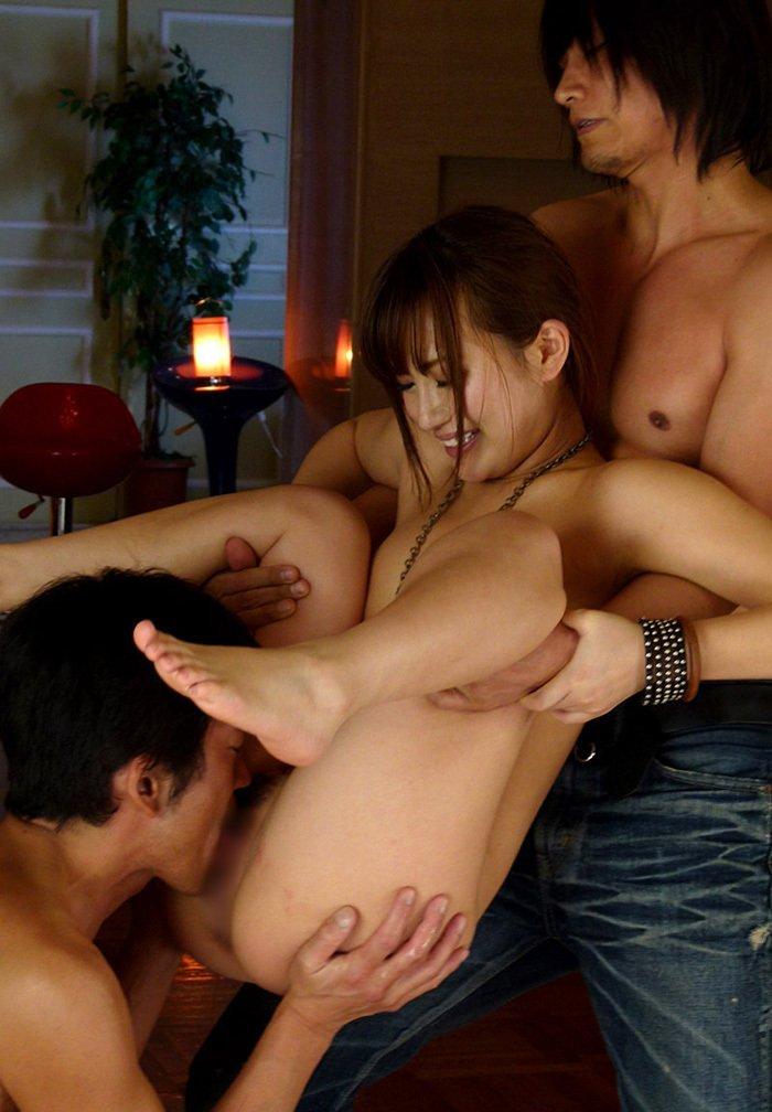 クンニリングスで快感を噛みしめる女の子 (15)