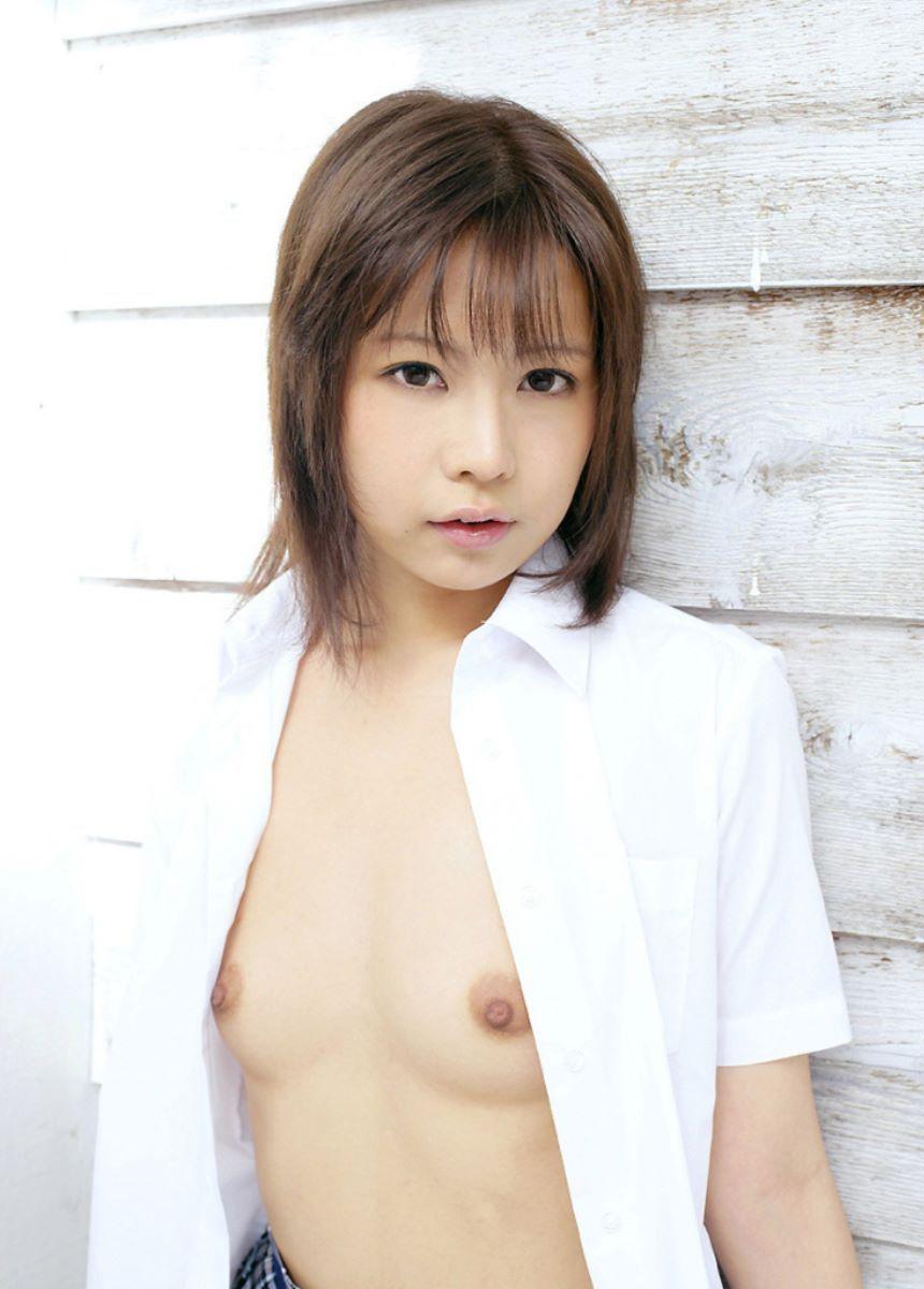 若々しい美乳が魅力的な美少女 (4)