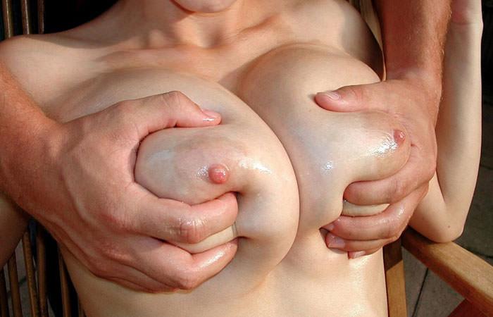 美巨乳を揉まれる女の子 (15)