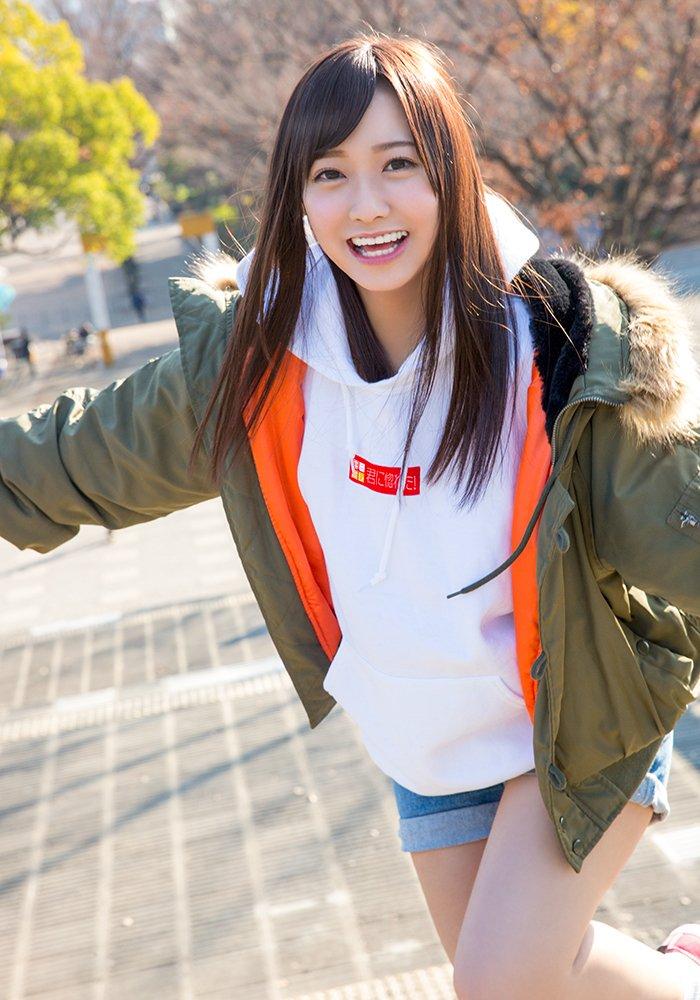 AV大好き美少女がAV女優になってSEXしまくる、春埼めい (2)