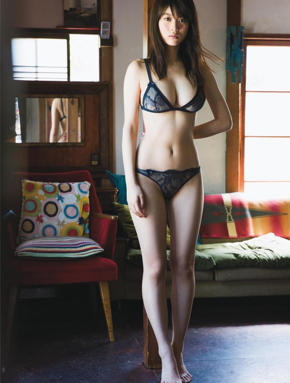 美しくセクシーな下着姿 (3)