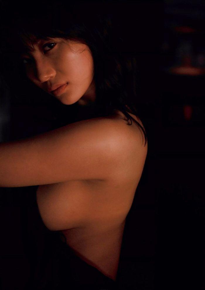 ヌードになる日も近そうな巨乳美女、小倉優香 (11)
