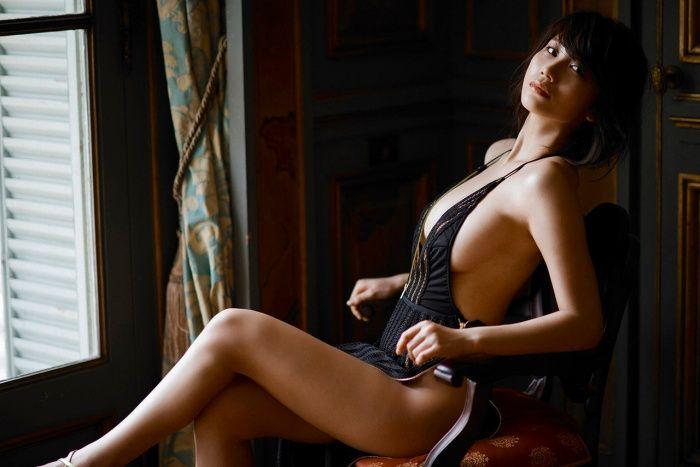 ヌードになる日も近そうな巨乳美女、小倉優香 (9)