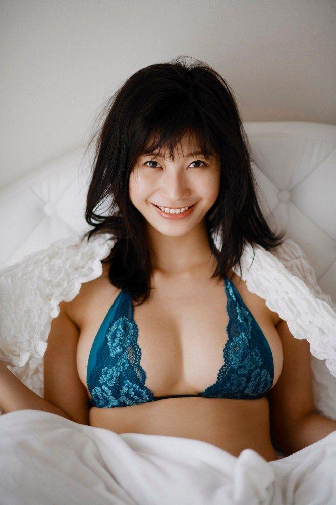ヌードになる日も近そうな巨乳美女、小倉優香 (8)