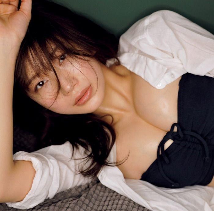 ヌードになる日も近そうな巨乳美女、小倉優香 (3)