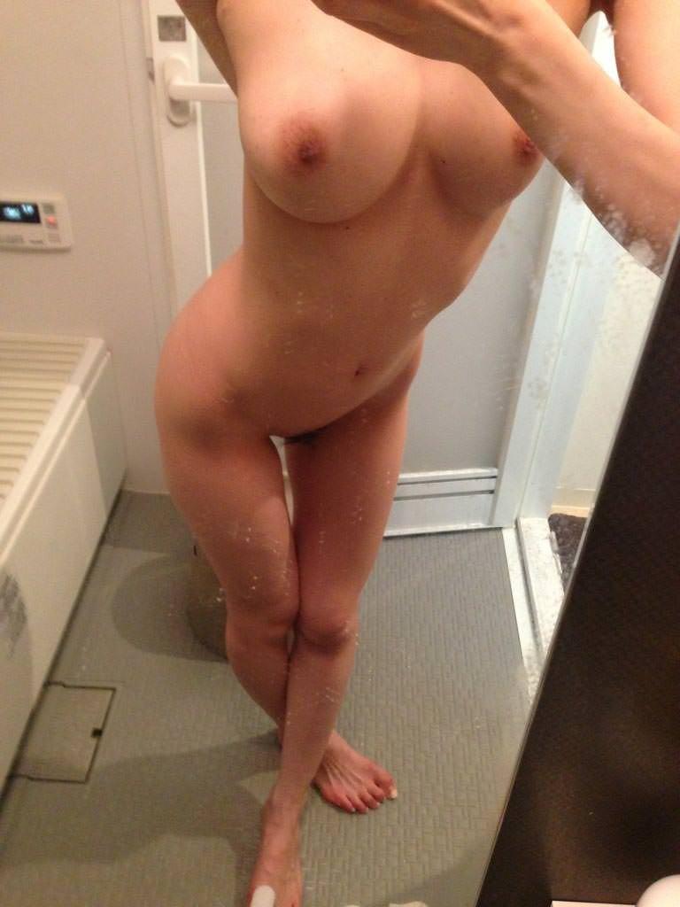 入浴中に撮影した自分の裸 (11)