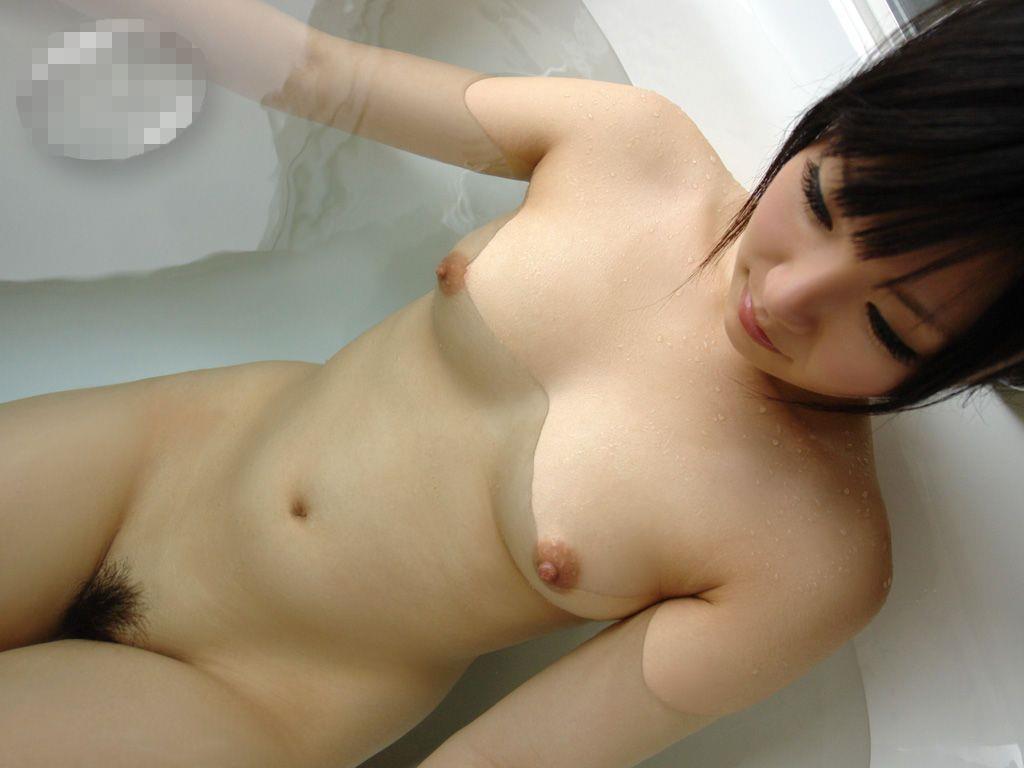 ヌード美女の入浴姿 (10)