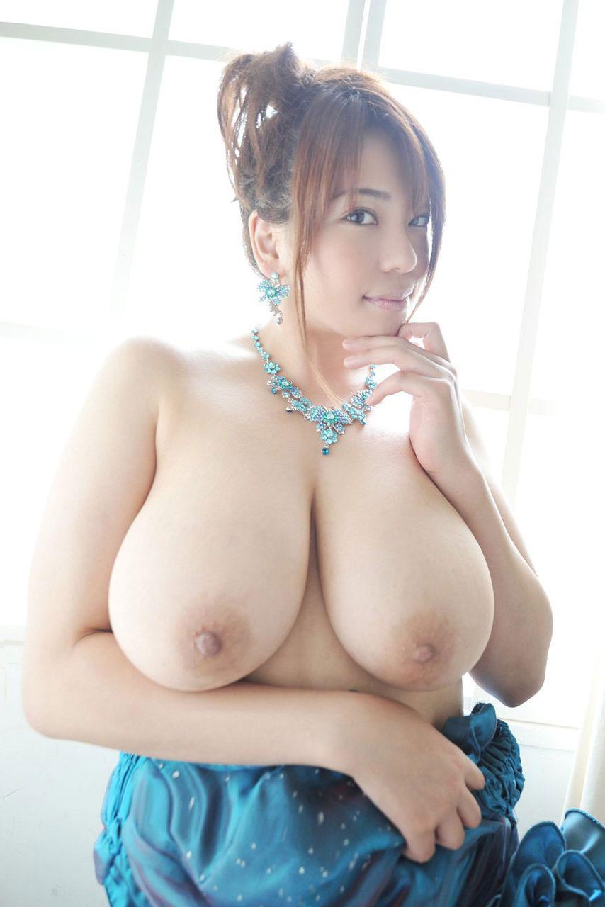 大きくて綺麗な美爆乳 (7)