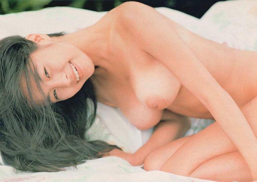 女優やグラドルの全裸姿 (2)