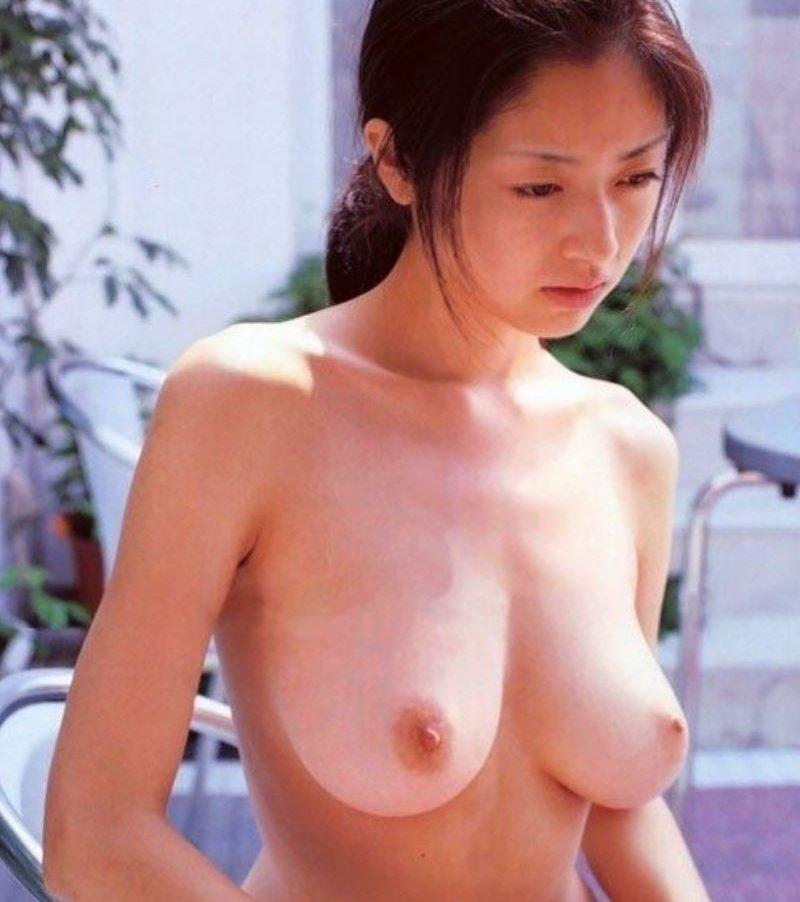 女優やグラドルの全裸姿 (16)