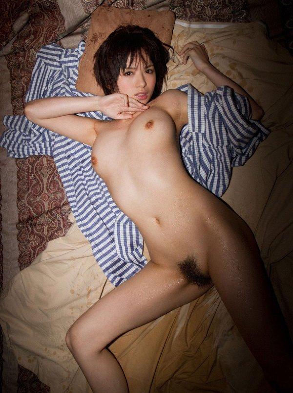 ショートヘアの全裸美少女 (11)