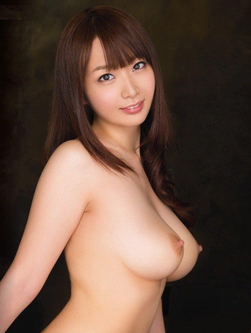 美乳美女が全裸になる (20)