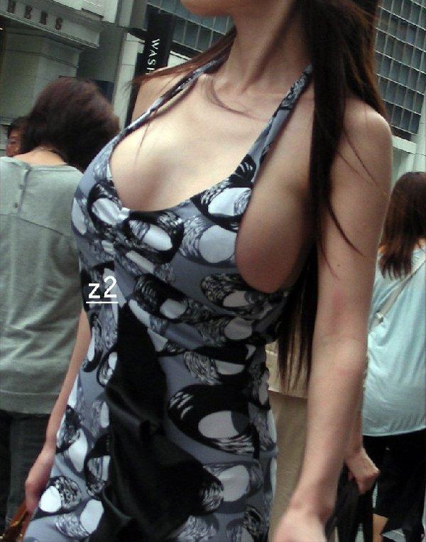 着衣でも巨乳は目立つ (5)