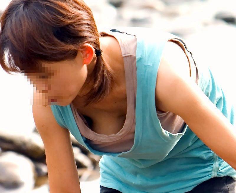 胸の谷間のチラリズム (3)