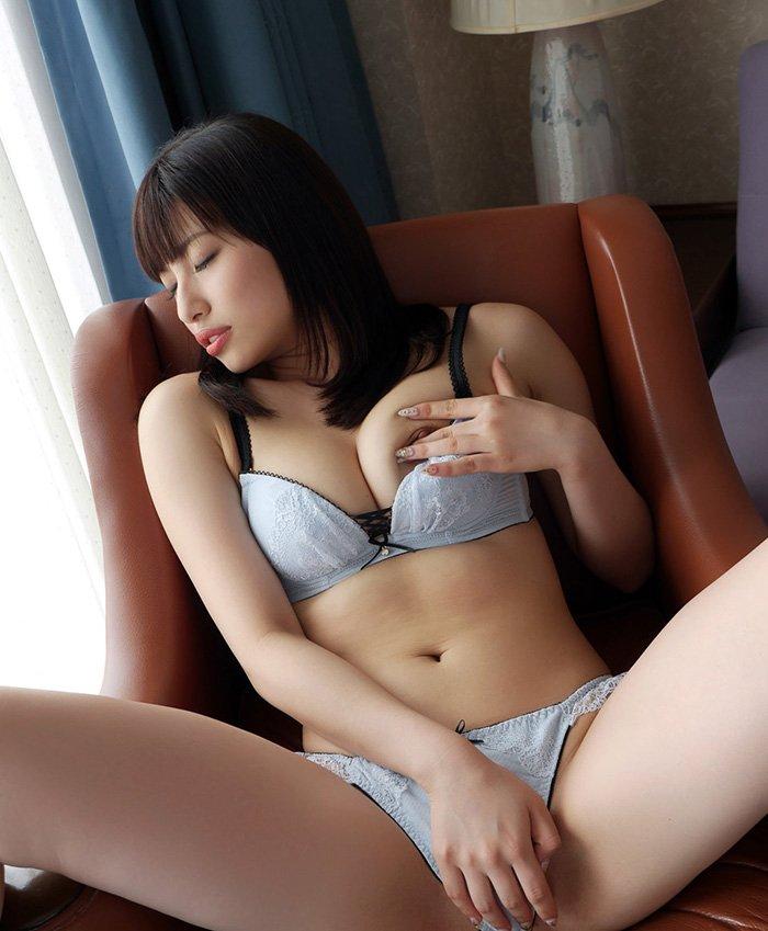 アイドルとAV女優を掛け持ちしてる早川瑞希 (5)