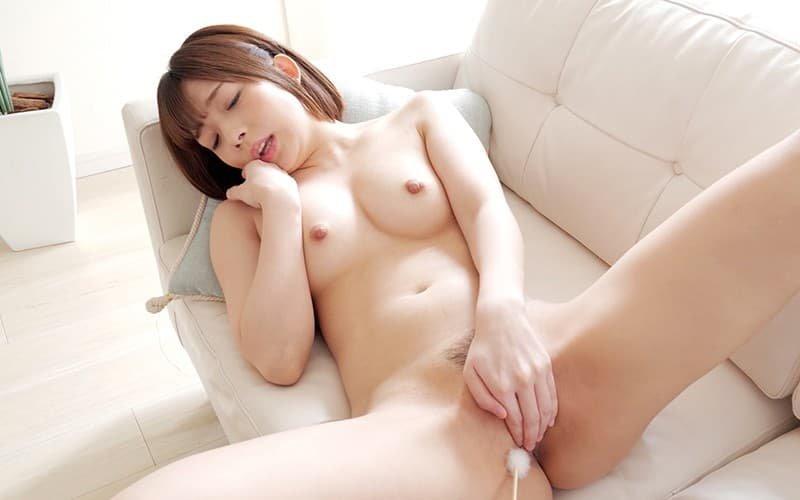 アイドル的な笑顔で濃厚SEX、麻里梨夏 (15)