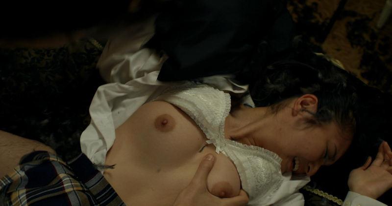 美人女優が激しくSEXしてるベッドシーン (8)