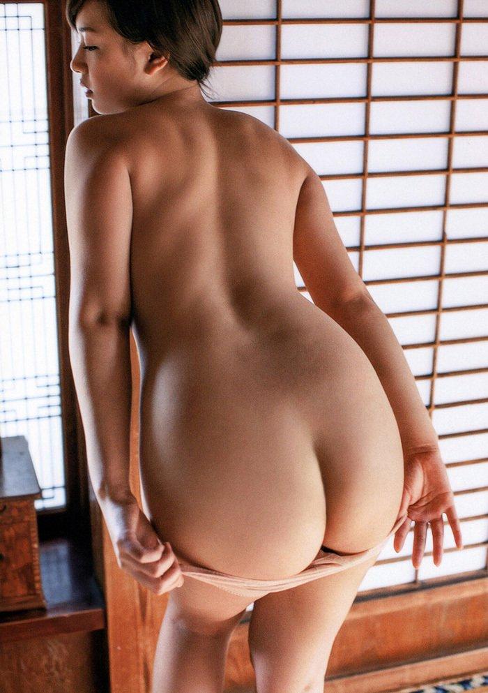 大きなお尻が魅力的 (4)