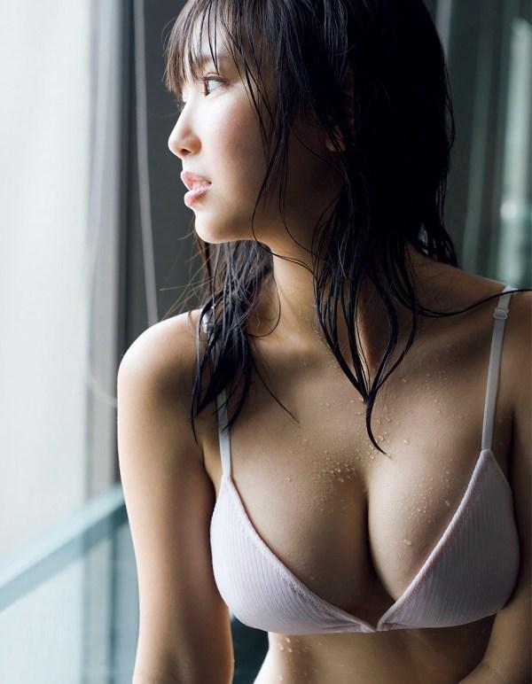 可愛い顔にエッチな体、沢口愛華 (13)