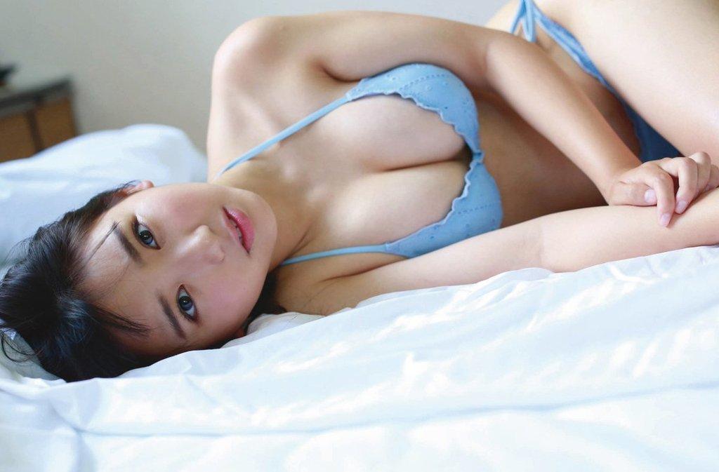 可愛い顔にエッチな体、沢口愛華 (18)
