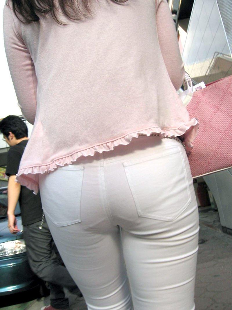 パンツが透けまくりの素人さん (9)