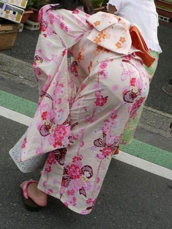 パンツが透けまくりの素人さん (2)