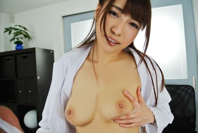 エッチな奉仕をする美女、日向うみ (3)