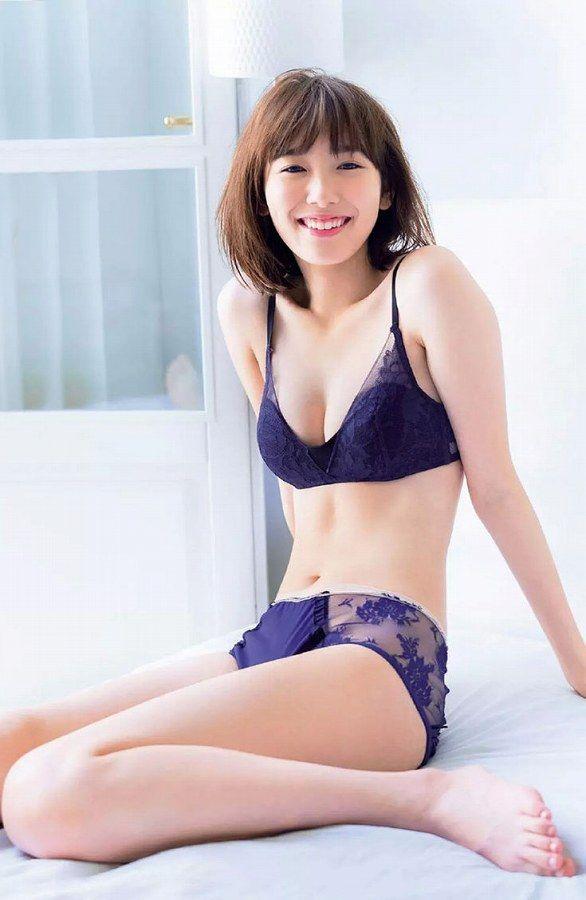 笑顔も可愛いスレンダーモデル、飯豊まりえ (2)