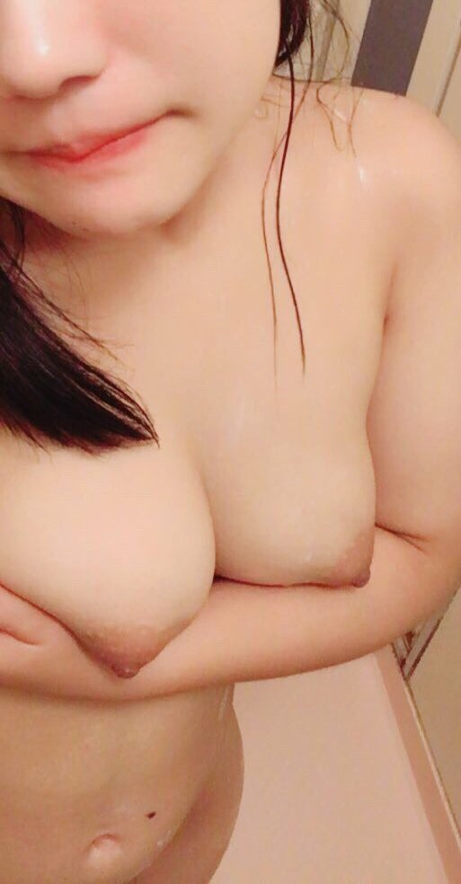 美巨乳を自撮りしてネットにアップする素人さん (19)