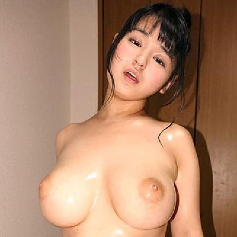 デカ乳輪の爆乳を揺らして変態SEX、若本あん (1)